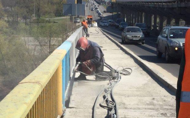 Столичный мост Метро закроют на ремонт