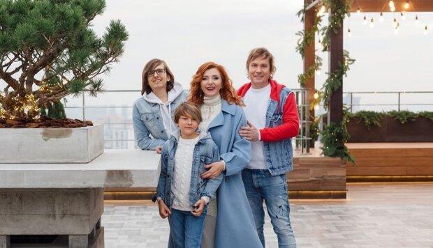 Степан Казанин с семьей, фото с Instagram