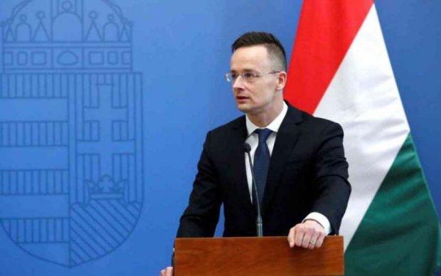 Угорщина знову дістала методичку Путіна та накинулася на Україну