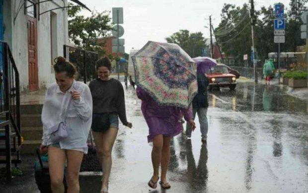 Прогноз погоди на серпень: українці потраплять в полон бурхливої стихії
