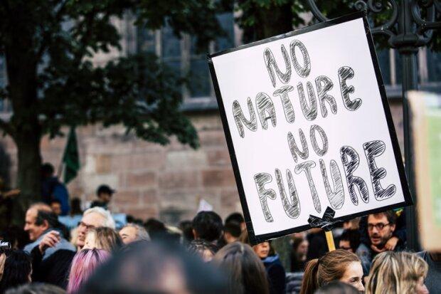 В Європі оголосили надзвичайний стан: куди краще не сунутися туристам