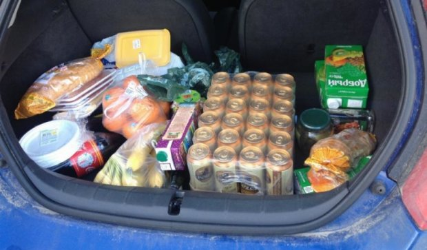 Из-за блокады крымчане возят еду из Украины в легковушках