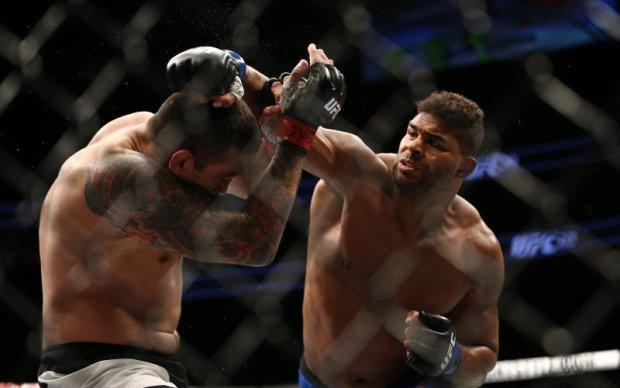 UFC 213: Оверім переміг Вердума роздільним рішенням суддів