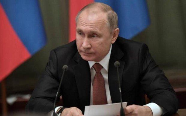 Зі зростом Путіна знову щось сталося: фото