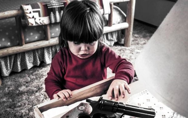 Замість іграшки: шестирічна дитина вистрілила у сестричку