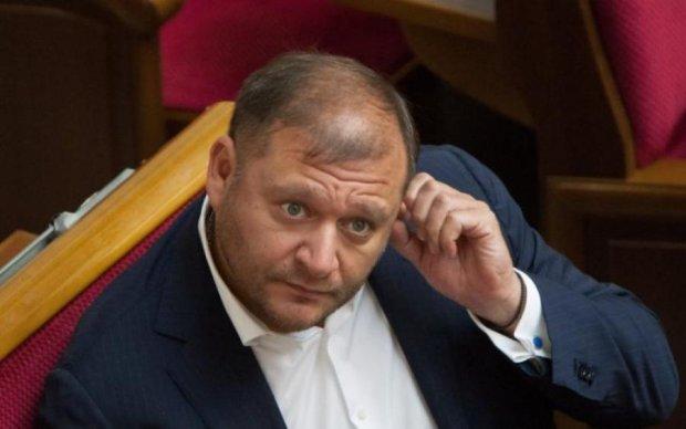 """Православный социалист и фанат """"Беркута"""": почему Добкин все еще на свободе"""