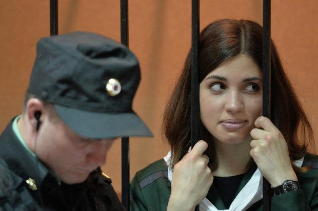 Секс з дівчатами і оргії в музеях: лідерка Pussy Riot відверто розповіла, як стала знаменитою