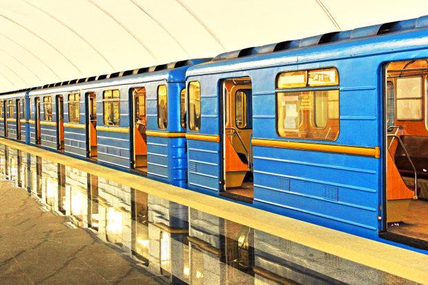 В Киеве 13 станций метро закроют на ремонт: полный список и сроки