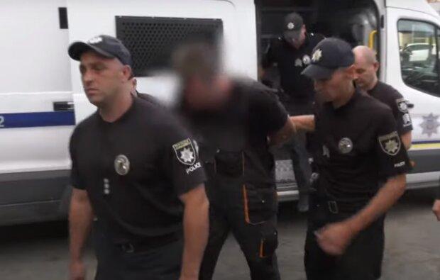 У Тернополі злодій обчистив сироту і зловив миттєву карму - як у бойовику
