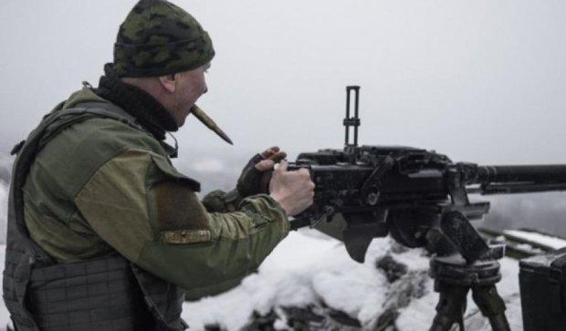 Бойовики 35 разів обстріляли українські позиції: є поранені