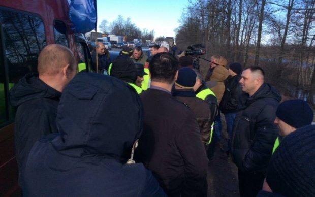 Поборы Ротенберга: тысячи российских дальнобойщиков вышли на протест