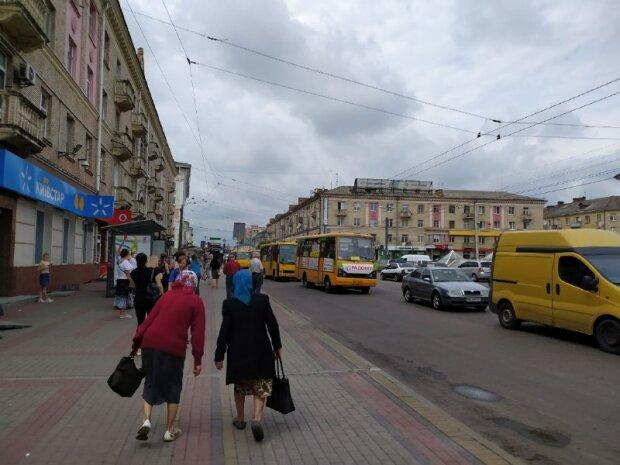 Українські пенсіонери, фото - znaj.ua