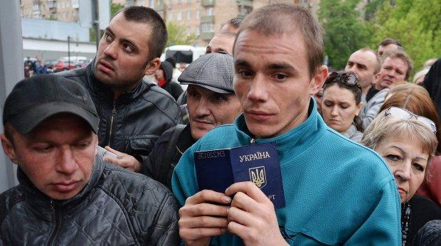 Без денег, работы и надежды: как над украинскими заробитчанами издеваются в Польше