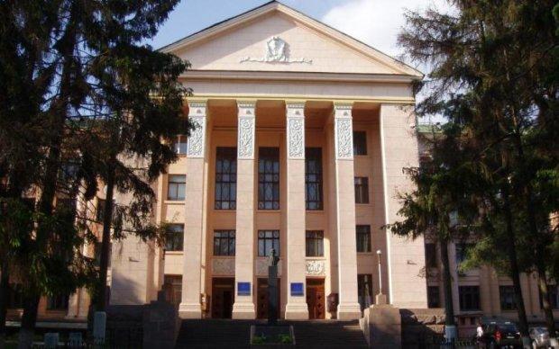 Один з найпрестижніших університетів України оголосив страйк