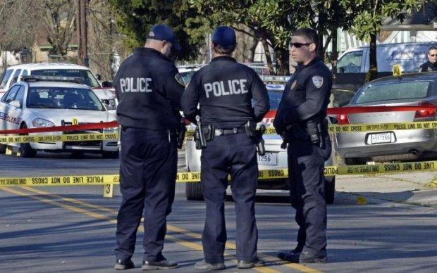 Стрілянина в престижному університеті: поліція обшукує кампуси
