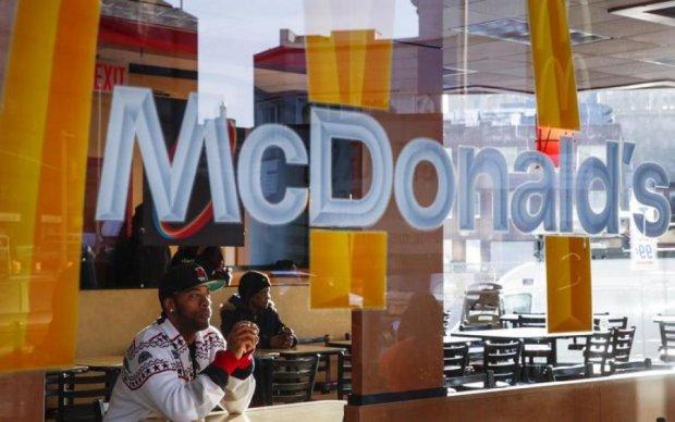 McDonald's отправил на больничные койки 500 людей