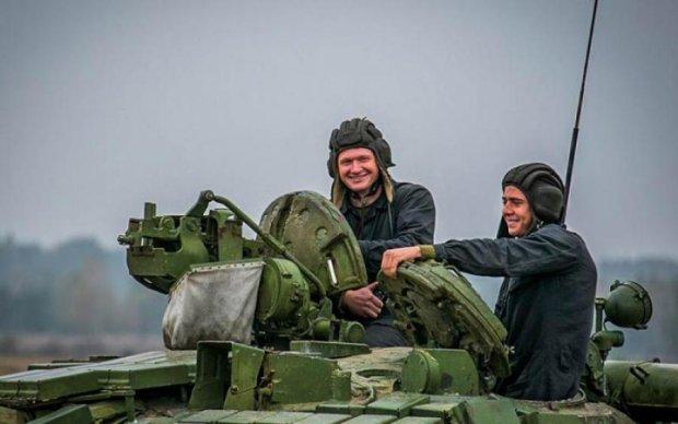 Украинские танкисты передали горячий привет путинским прихвостням: видео