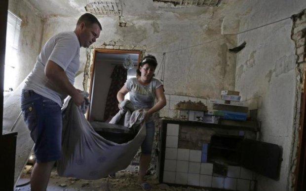 """""""Молимося про повернення в Україну"""", - жителі Л/ДНР змучені бойовиками і мріють про мир"""