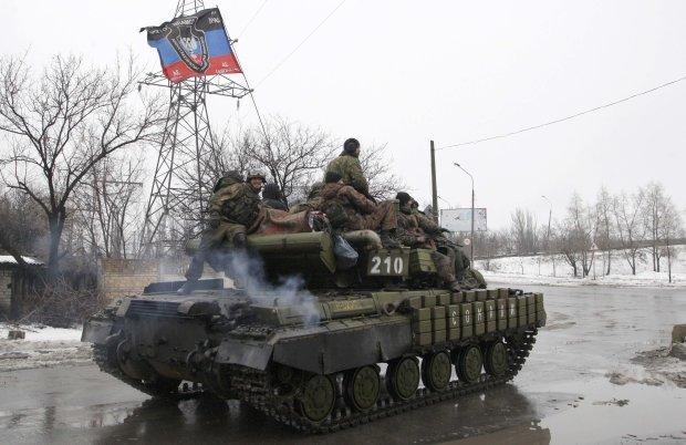 Українські воїни відправили бойовика відпочивати до Захарченкa і Гіві: фото
