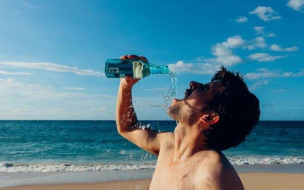 Медик розповіла, якими напоями небезпечно втамовувати спрагу
