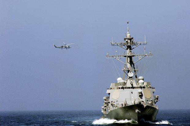 К Крыму стягивают корабли и авиацию: задания приходят из штаба, все секретно