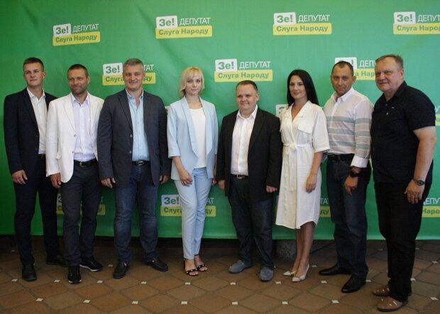 """""""Слуга народу"""" поза конкуренцією, а """"Європейська солідарність"""" на дні: соцопитування показало, який вибір зроблять українці"""