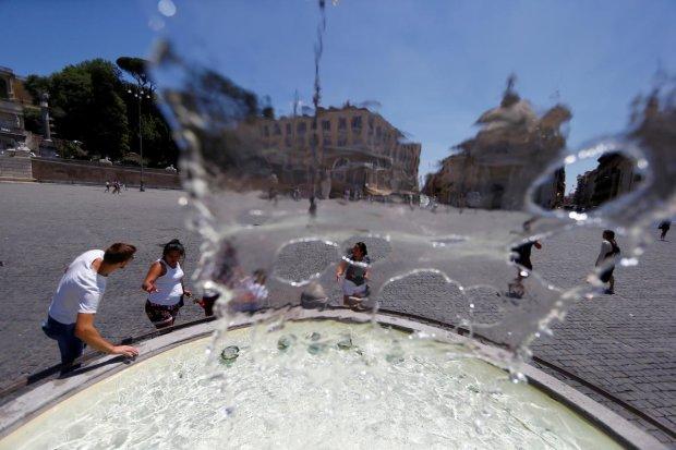 Пекельна спека поставила рекорд у +44,3 градусів: синоптики у паніці, катастрофи не уникнути