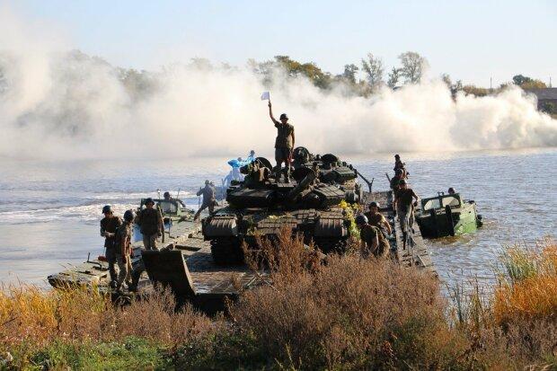 """Танкісти ЗСУ """"на відмінно"""" знищили противника: фото з місця подій"""