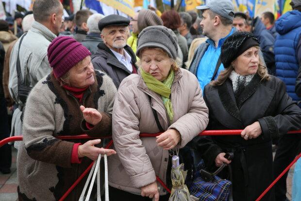 """Українським пенсіонерам приготували """"випробування"""" стажем: виплати світять тільки половині"""