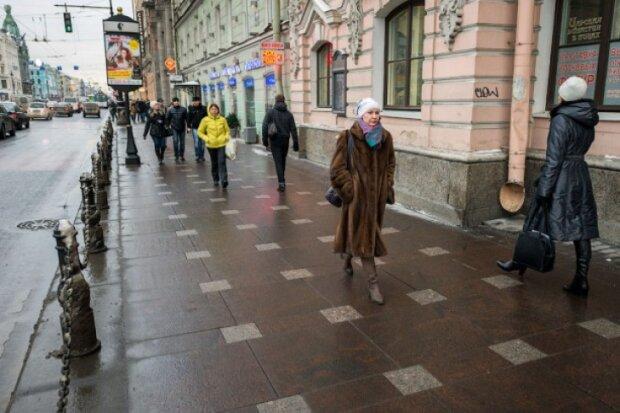 """В Киеве появятся тротуары с подогревом: где """"попарить"""" ноги на халяву"""