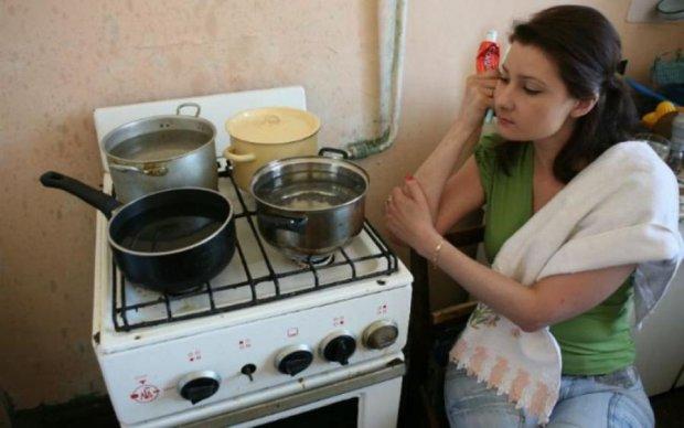 Запасайтесь терпением: в Киеве отключили горячую воду, и это надолго
