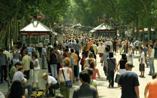 Барселона в панике: грузовик протаранил толпу туристов