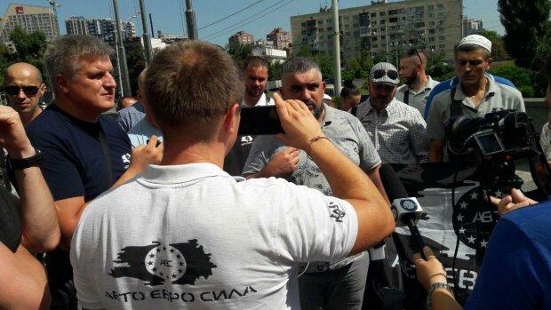 Команда Зеленського дала останній шанс євробляхерам: потім буде розправа