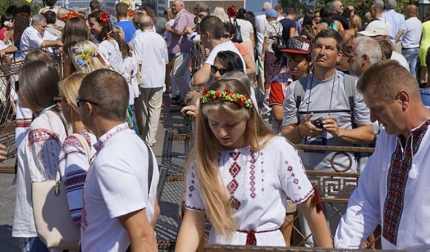 Три тысячи людей в вышиванках: новый рекорд зафиксирован  в Одессе (фото)