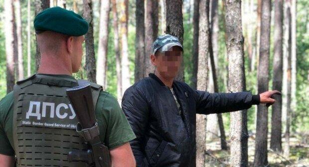У Чорнобилі спіймали любителя радіоактивної чорниці - повні кошики