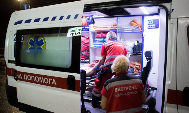 Київ вразила моторошна ДТП, легковик розірвало на частини: трупи валяються просто на асфальті, фото 18+