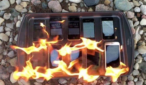 Заради експерименту відеоблогер спалив усю лінійку  iPhone