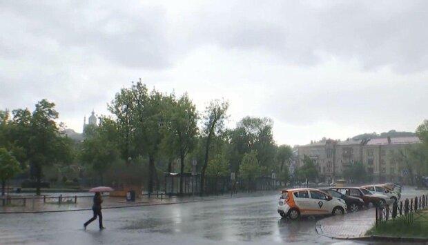 Злива, фото: скріншот з відео