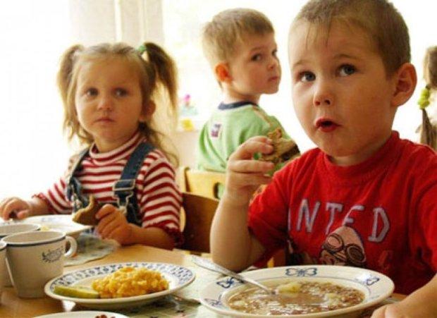 Прокуратура порушила справу через масове отруєння дітей у Чернівцях