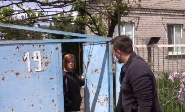 Під Дніпром горе-матір покинула сімох дітей і пішла в загул - з коханцем веселіше