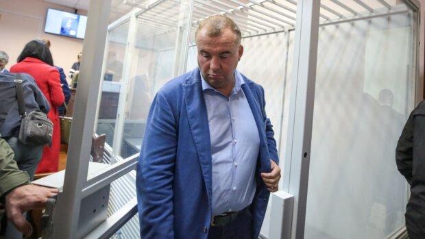 """Заарештований Гладковський отримав в адвокати любителя дієт Реву: """"У чомусь винен..."""""""