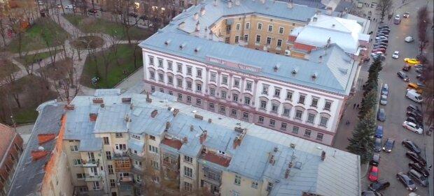 Депутати з Прикарпаття отримують халявні квартири в Києві, поки франківчани ледве зводять кінці з кінцями