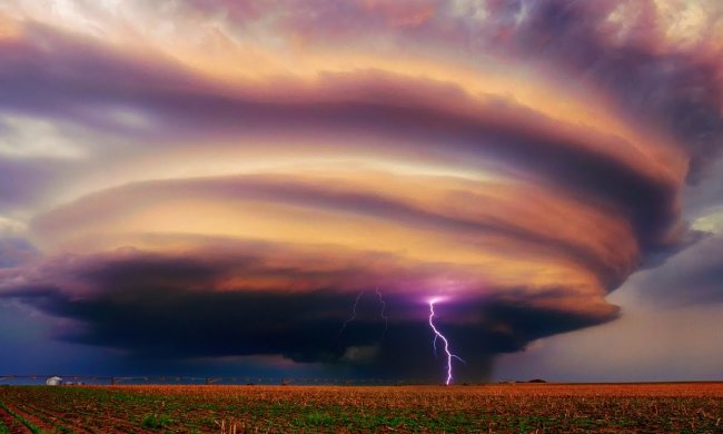 В Днепре объявлено штормовое предупреждение: стихия снесет все на своем пути