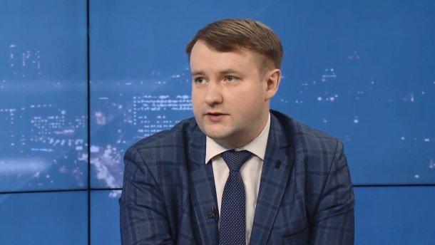"""Виборцям подобається, що Зеленський і """"Слуга Народу"""" вже виконують свої обіцянки, – політолог"""