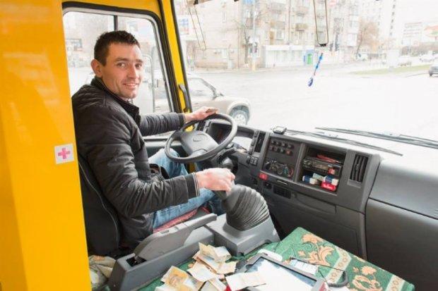 Столичний водій встановив вай-фай у маршрутці власним коштом