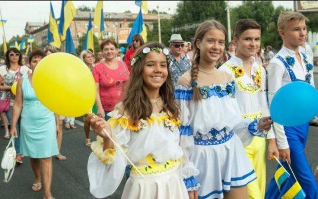 Скільки вихідних дадуть українцям у серпні