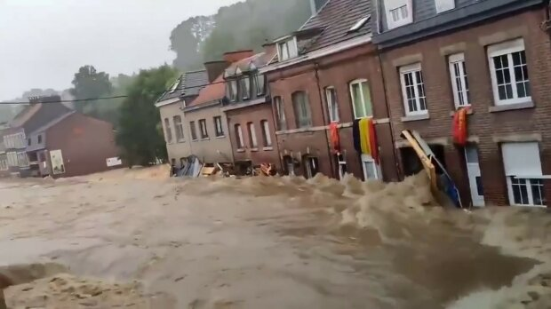 повінь у Німеччині, скріншот з відео