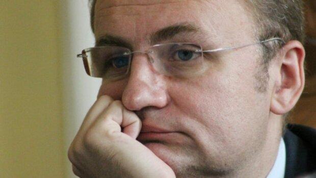 Львівський аеропорт вислизає із рук Садового: кому дістануться крила Галичини