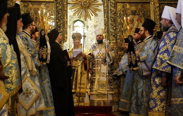 Подія тисячоліття: у Софійському соборі розгорнули Томос