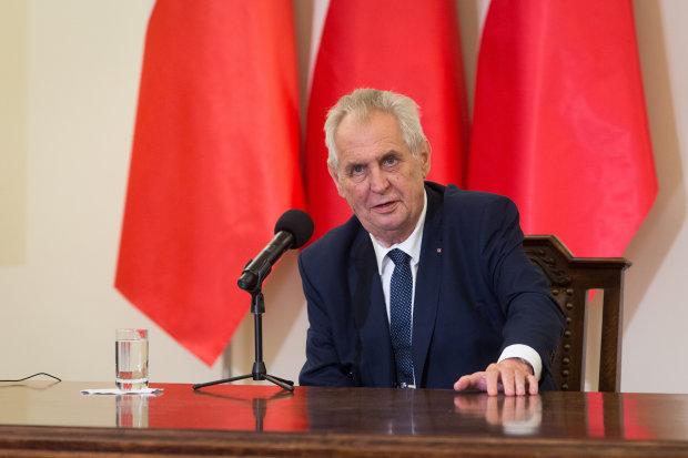 """Президент Чехии призвал народ восстать против Украины: """"возвеличивание военных преступников"""""""